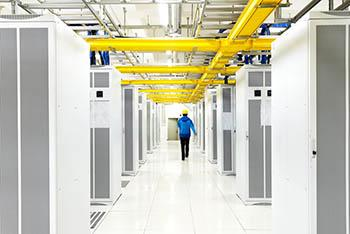 Data Center Reinigung. Staub im DataCenter reinigen.